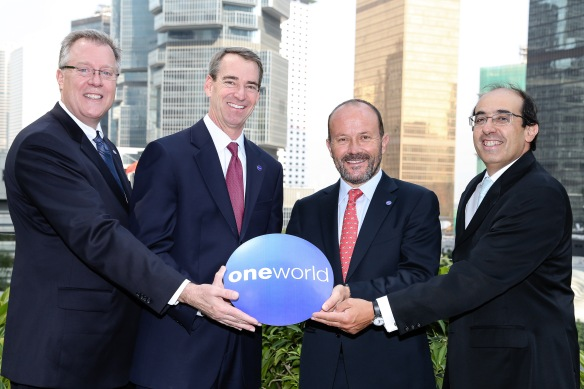 Bruce Ashby, CEO oneworld; Tom Horton, President oneworld; Ignacio Cueto, CEO LAN Airlines and Damián Scokin, CEO LATAM International.