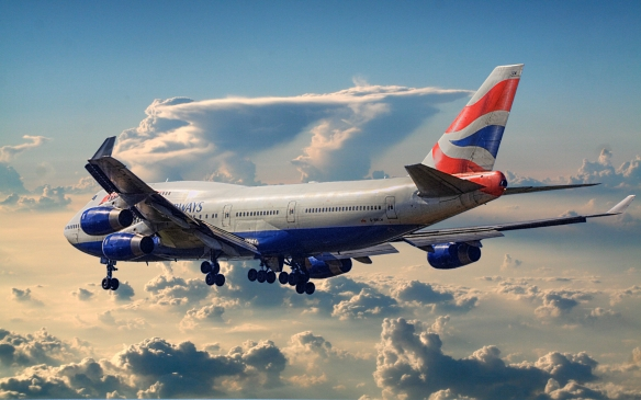 British_Airways_Boeing_747-400_leaving_town